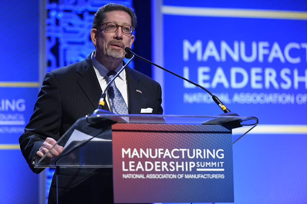 David Brousell speaks at the 2019 Manufacturing Leadership Summit 2