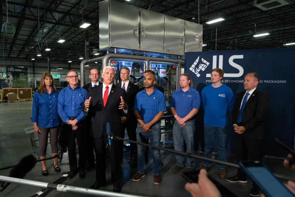 Robotic packaging manufacturer JLS Automation received some distinguished visitors in 2019, with a major event to promote the USMCA.